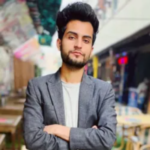 Savvy Specialist Hamza Khalid